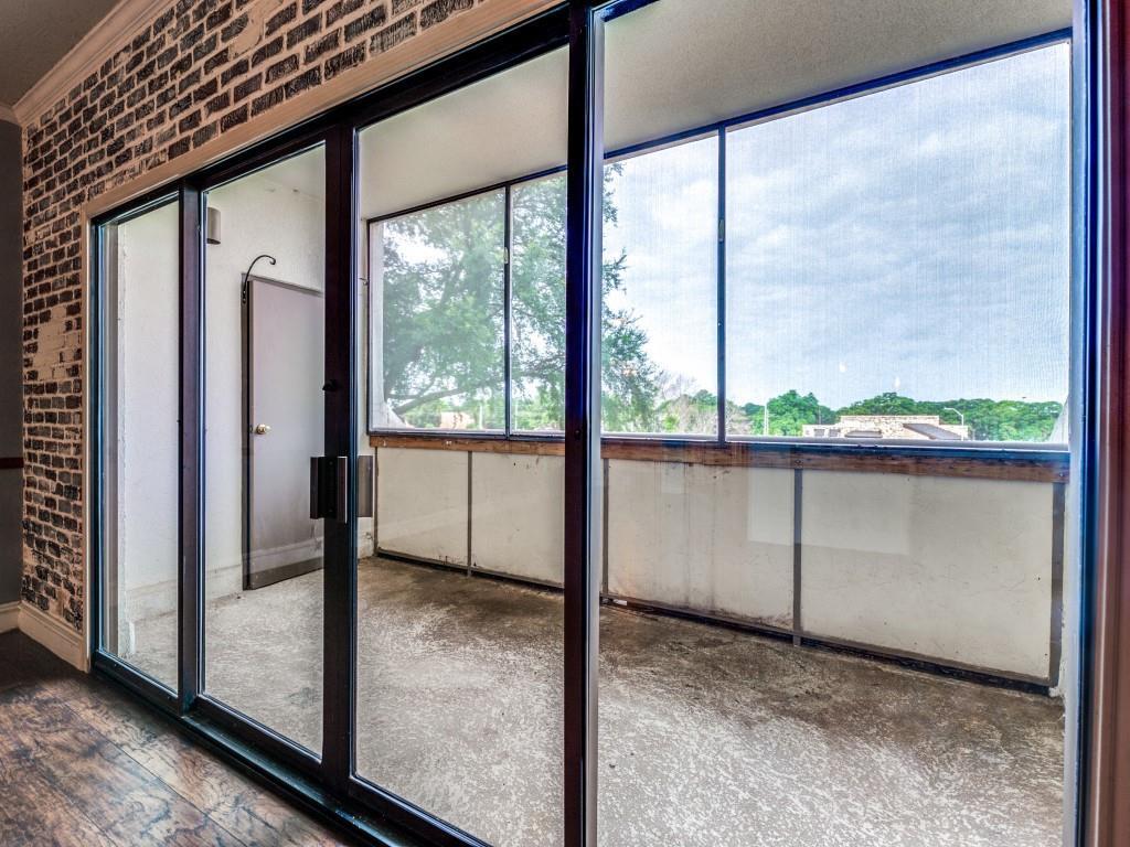 2100 Reflection Bay  Drive, Arlington, Texas 76013 - acquisto real estate best realtor dfw jody daley liberty high school realtor