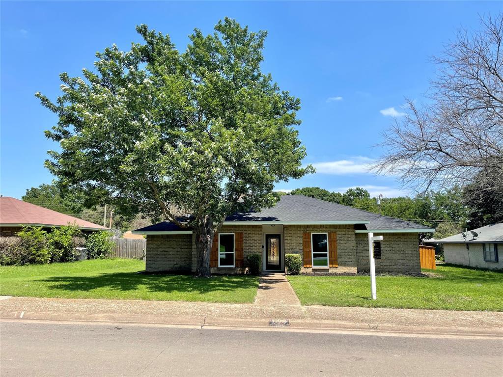 710 Horne  Street, Duncanville, Texas 75116 - Acquisto Real Estate best plano realtor mike Shepherd home owners association expert