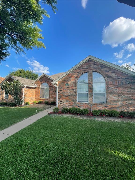 1205 Calvert  Drive, Cedar Hill, Texas 75104 - Acquisto Real Estate best plano realtor mike Shepherd home owners association expert