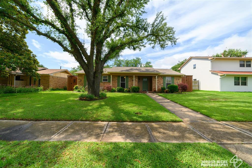 737 Snowden  Drive, Richardson, Texas 75080 - Acquisto Real Estate best plano realtor mike Shepherd home owners association expert