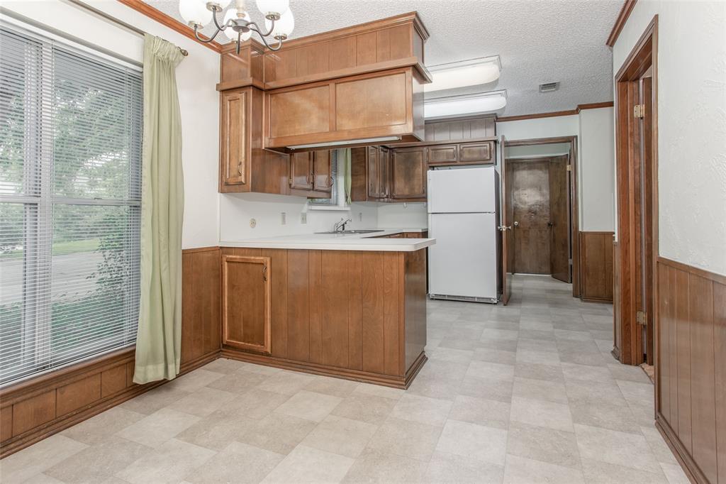 1513 Northcrest  Court, Fort Worth, Texas 76107 - acquisto real estate best realtor dfw jody daley liberty high school realtor