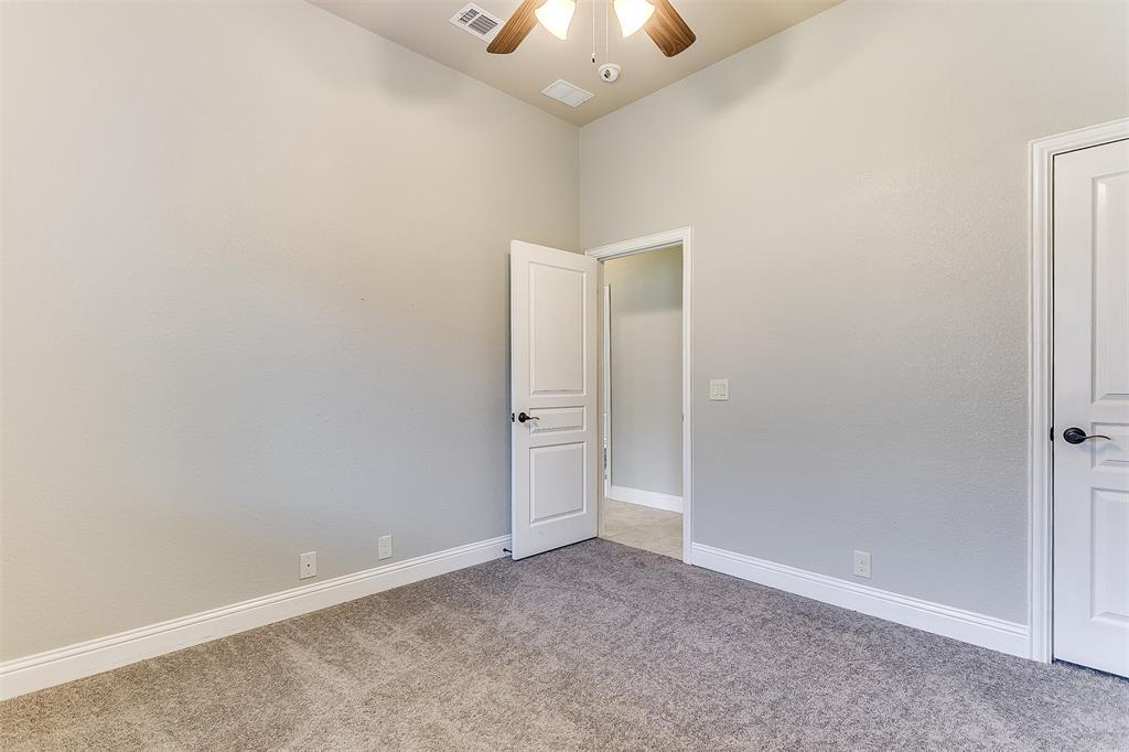 1000 Tarragon  Drive, Burleson, Texas 76028 - acquisto real estate best plano real estate agent mike shepherd