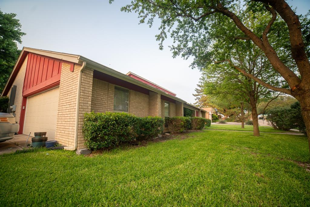 9944 Dickens  Drive, Benbrook, Texas 76126 - acquisto real estate best allen realtor kim miller hunters creek expert