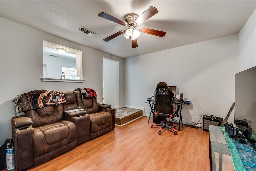 5020 Thurston  Road, River Oaks, Texas 76114 - acquisto real estate best designer and realtor hannah ewing kind realtor