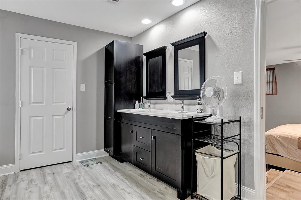 205 Broadway  Street, Whitesboro, Texas 76273 - acquisto real estate best realtor dallas texas linda miller agent for cultural buyers