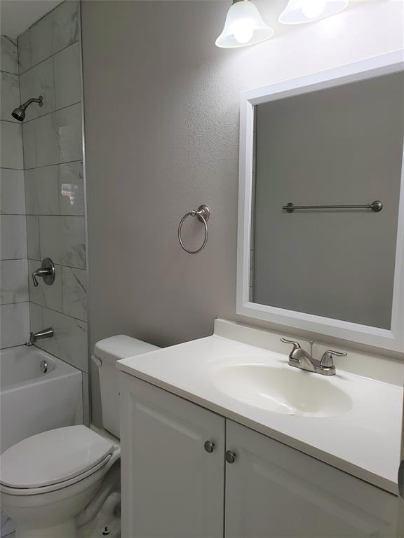 3216 Loganwood  Drive, Dallas, Texas 75227 - acquisto real estate best luxury buyers agent in texas shana acquisto inheritance realtor
