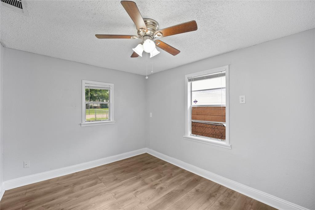3138 Ramsey  Avenue, Dallas, Texas 75216 - acquisto real estate best photos for luxury listings amy gasperini quick sale real estate
