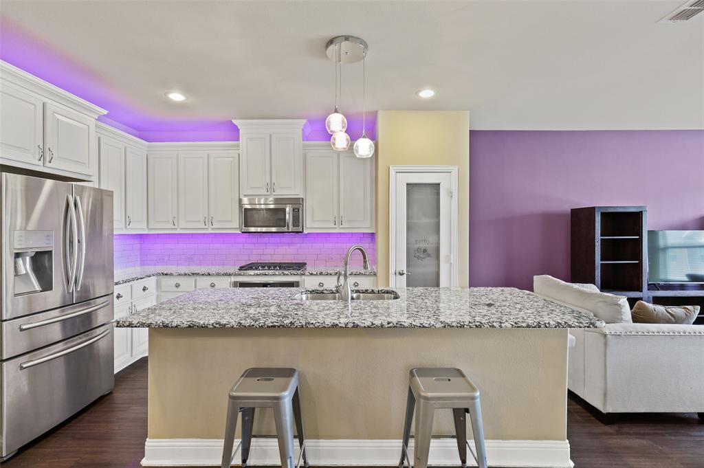 2670 Venice  Drive, Grand Prairie, Texas 75054 - acquisto real estate best the colony realtor linda miller the bridges real estate