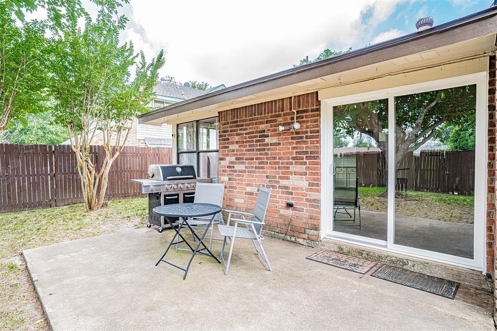 4205 Whitman  Lane, Grand Prairie, Texas 75052 - acquisto real estate best real estate idx dilusso marketing mike acquisto
