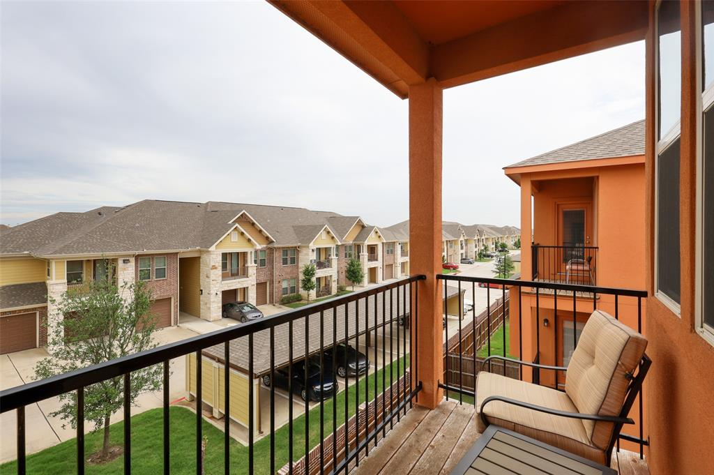 2670 Venice  Drive, Grand Prairie, Texas 75054 - acquisto real estate best realtor westlake susan cancemi kind realtor of the year