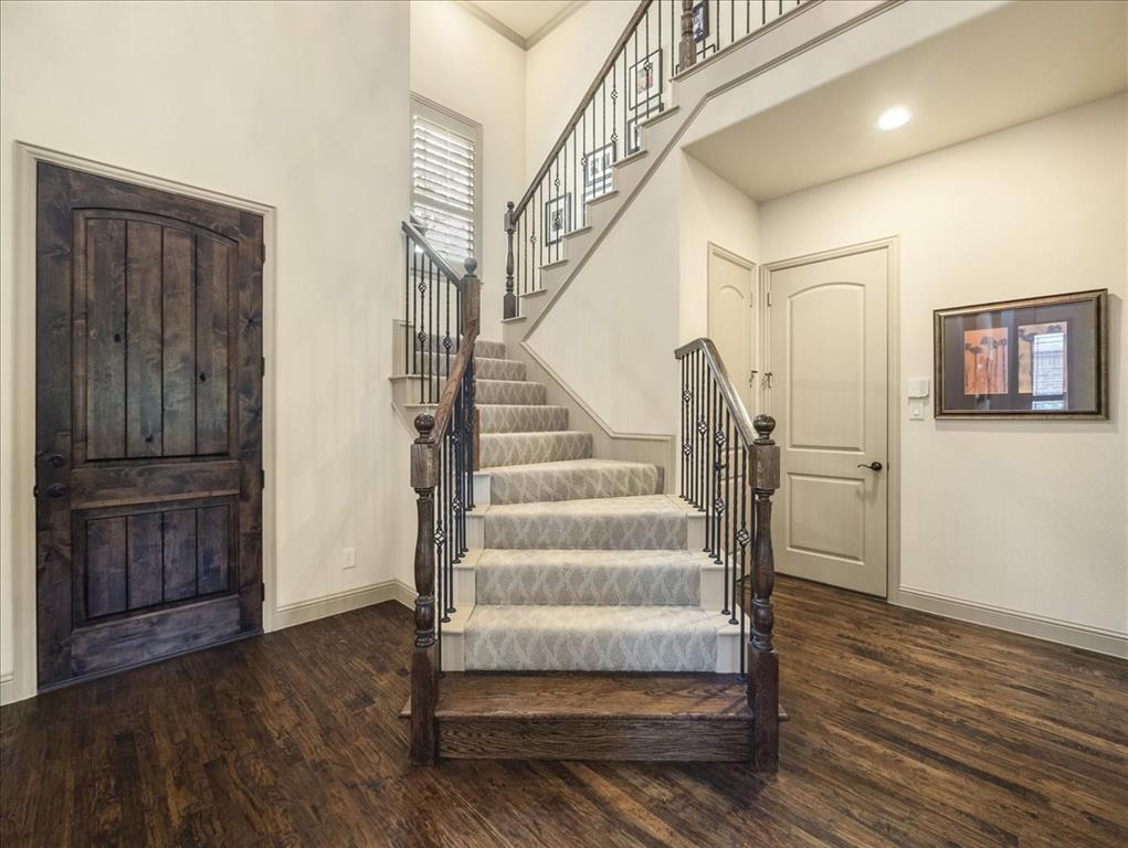 814 Winterwood  Court, Garland, Texas 75044 - acquisto real estate best new home sales realtor linda miller executor real estate