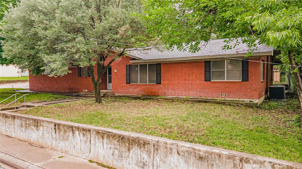341 Barton St.  Street, Stephenville, Texas 76401 - Acquisto Real Estate best frisco realtor Amy Gasperini 1031 exchange expert