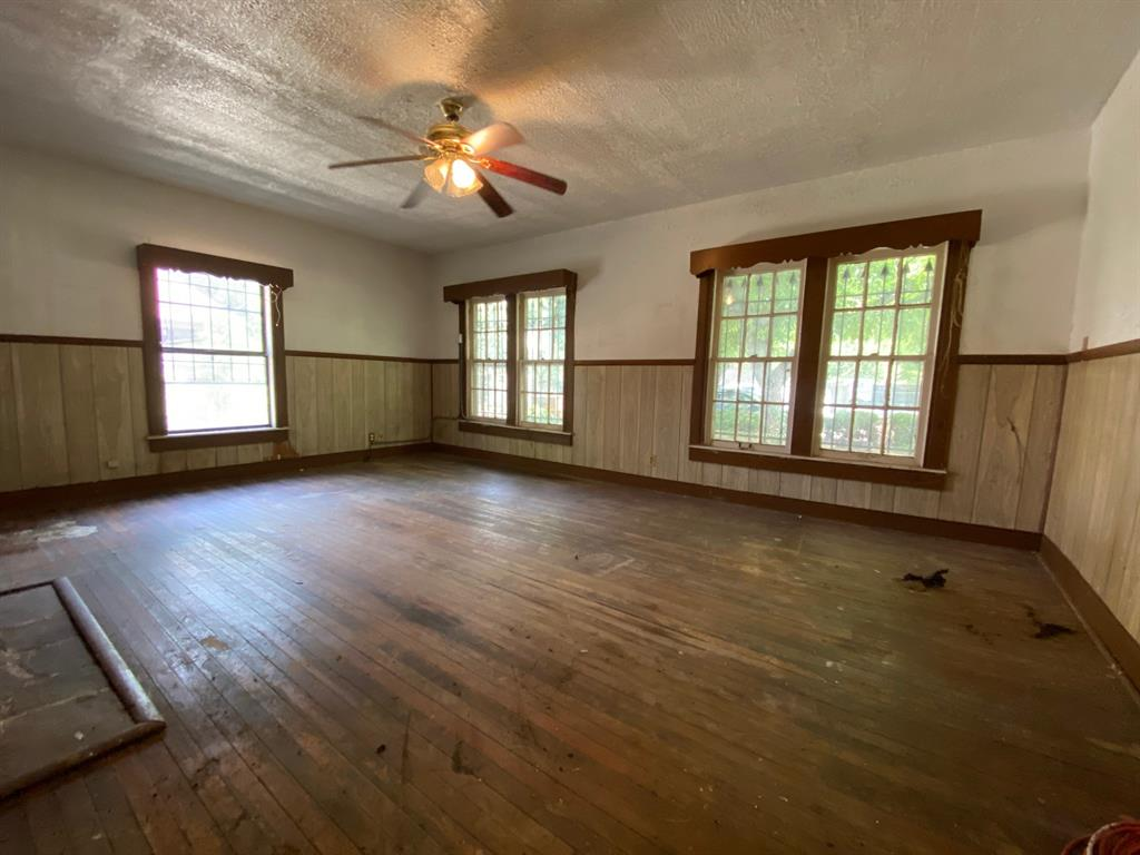 403 Drew  Street, Fort Worth, Texas 76110 - acquisto real estate best allen realtor kim miller hunters creek expert