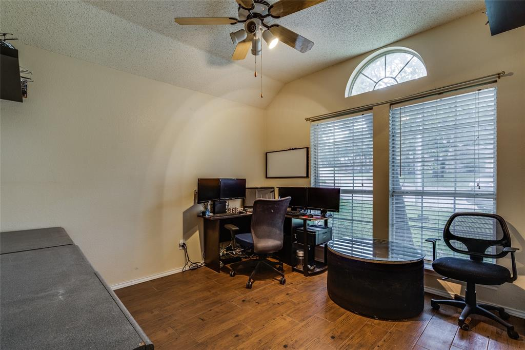 7624 Arbor Ridge  Court, Fort Worth, Texas 76112 - acquisto real estate best frisco real estate broker in texas for high net worth buyers