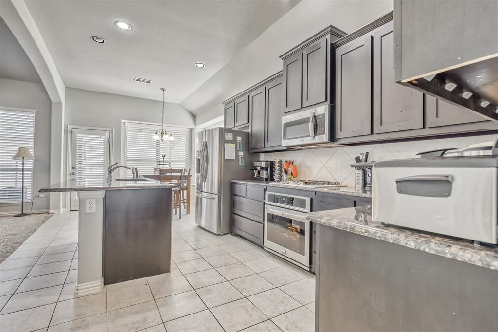 201 Brentwood  Drive, DeSoto, Texas 75115 - acquisto real estate best real estate company to work for