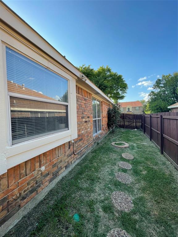 1205 Calvert  Drive, Cedar Hill, Texas 75104 - acquisto real estate best negotiating realtor linda miller declutter realtor