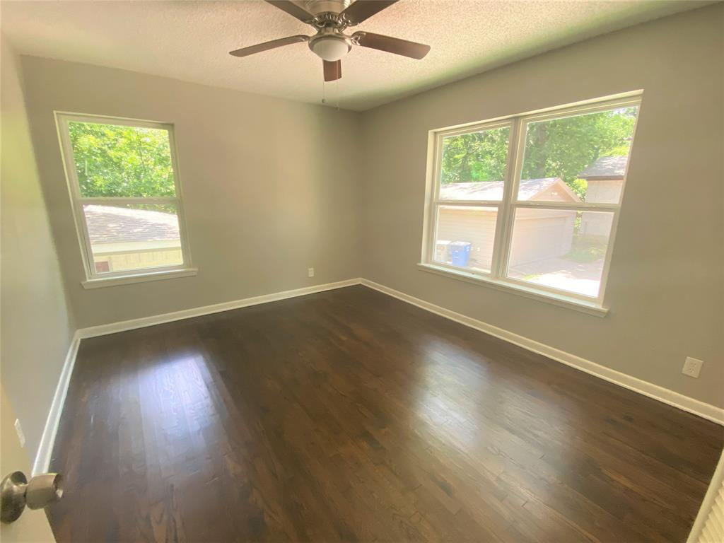 3216 Loganwood  Drive, Dallas, Texas 75227 - acquisto real estate best style realtor kim miller best real estate reviews dfw