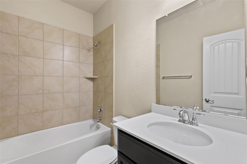 8801 Tenderfoot  Lane, Aubrey, Texas 76227 - acquisto real estate best style realtor kim miller best real estate reviews dfw