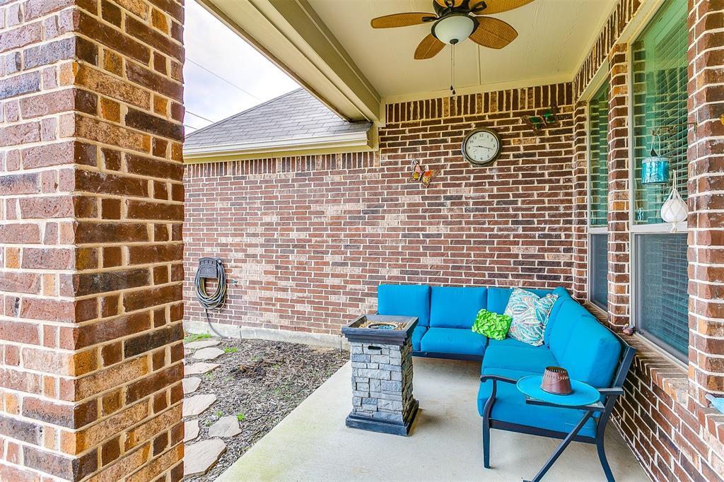1172 Sapphire  Lane, Burleson, Texas 76058 - acquisto real estate best plano real estate agent mike shepherd