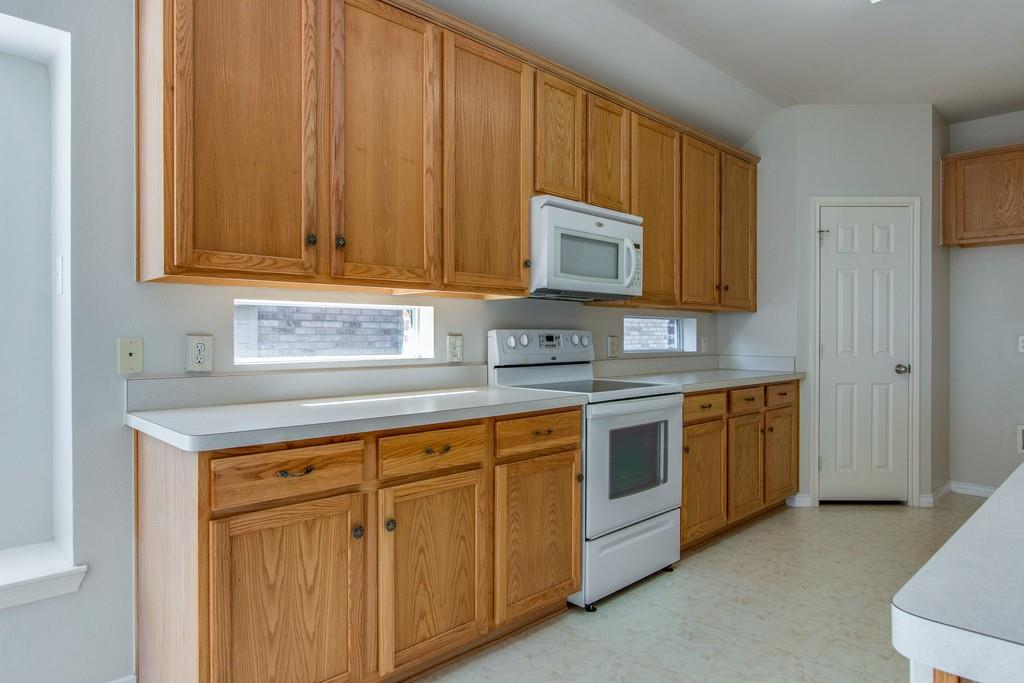 9401 Athens  Drive, Denton, Texas 76226 - acquisto real estate best real estate company to work for