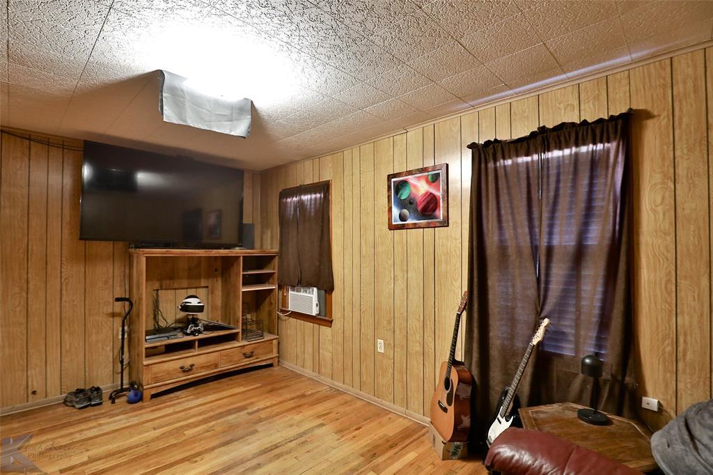 813 Orient  Street, Stamford, Texas 79553 - acquisto real estate best designer and realtor hannah ewing kind realtor
