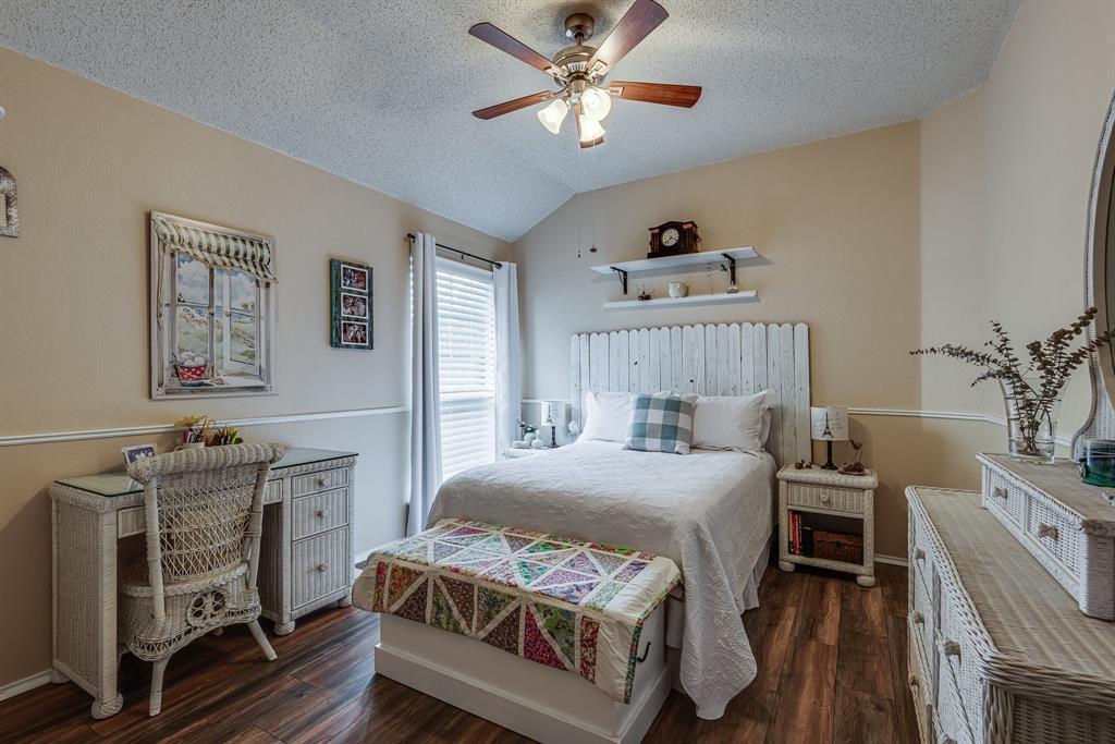 2205 Villanova  Street, Arlington, Texas 76018 - acquisto real estate best real estate company to work for