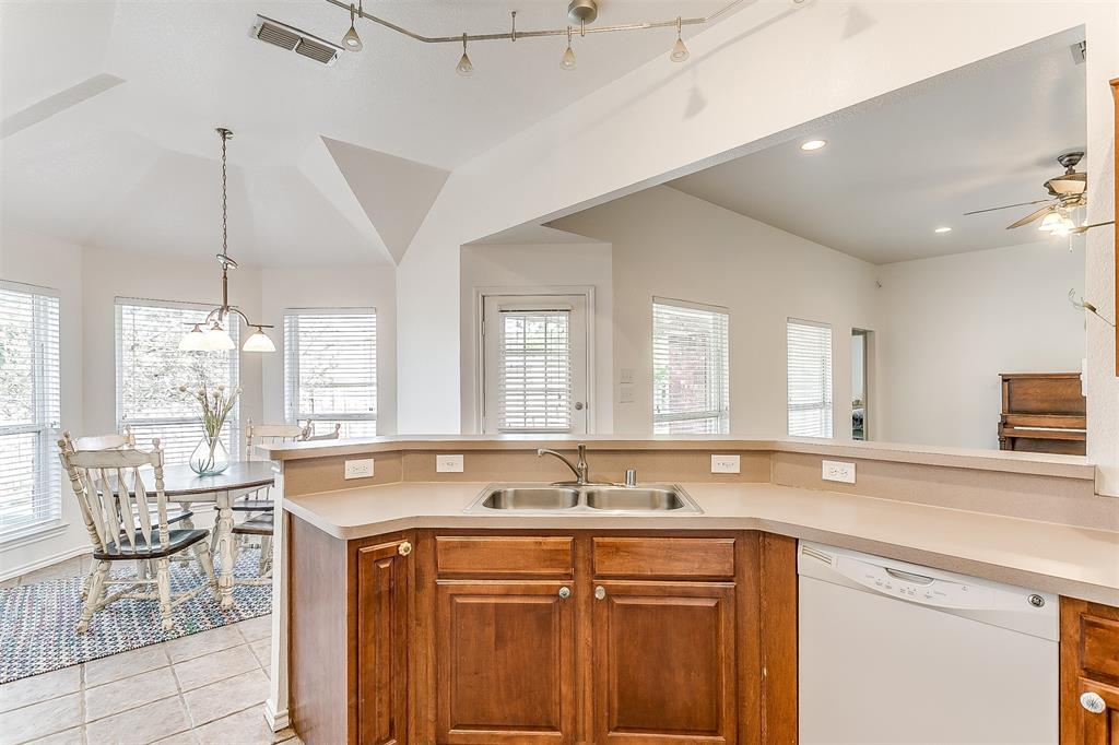 203 Seminole  Trail, Alvarado, Texas 76009 - acquisto real estaet best boutique real estate firm in texas for high net worth sellers