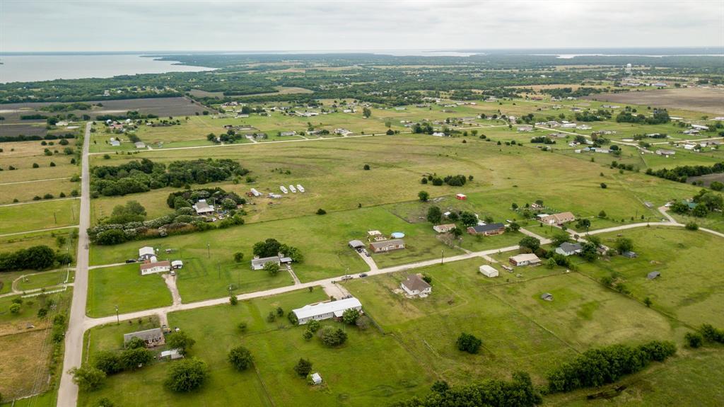 8509 Traildust  Drive, Quinlan, Texas 75474 - acquisto real estate best negotiating realtor linda miller declutter realtor