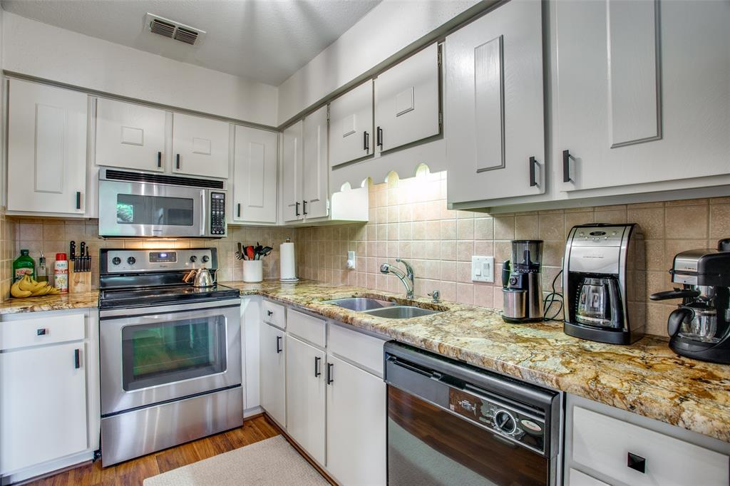 968 Roaring Springs  Road, Fort Worth, Texas 76114 - acquisto real estate best real estate company to work for