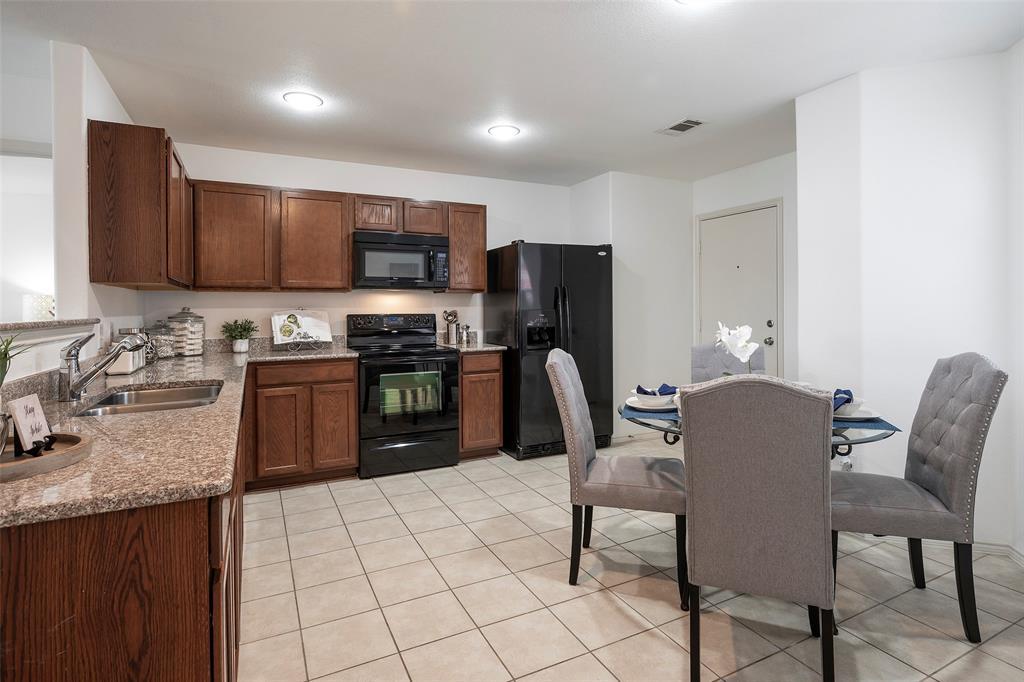 1505 Lone Pine  Drive, Little Elm, Texas 75068 - acquisto real estate best highland park realtor amy gasperini fast real estate service