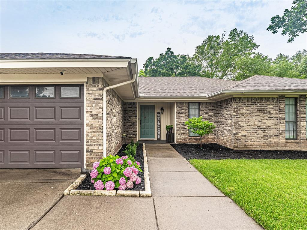 1026 Westminster  Lane, Mansfield, Texas 76063 - acquisto real estate best the colony realtor linda miller the bridges real estate