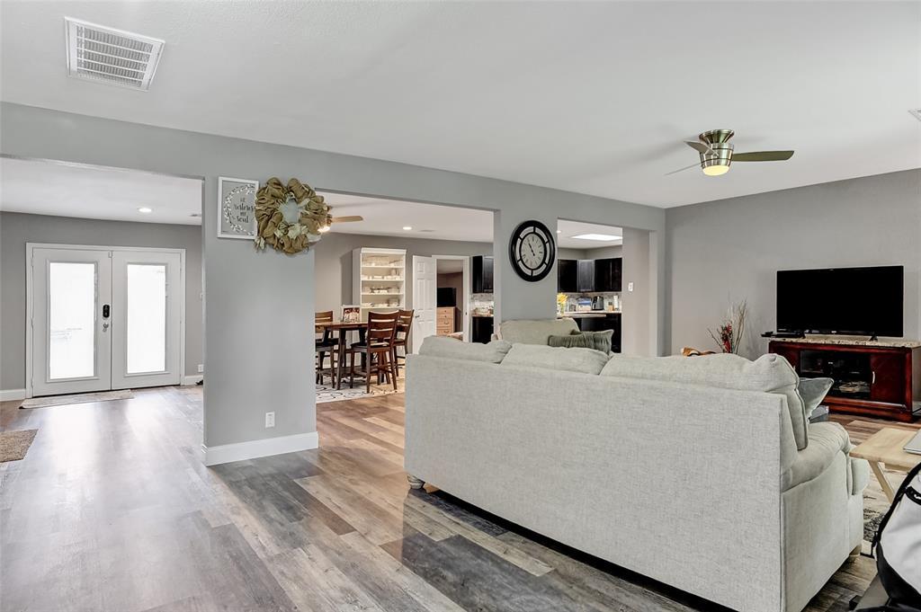 205 Broadway  Street, Whitesboro, Texas 76273 - acquisto real estate best realtor foreclosure real estate mike shepeherd walnut grove realtor