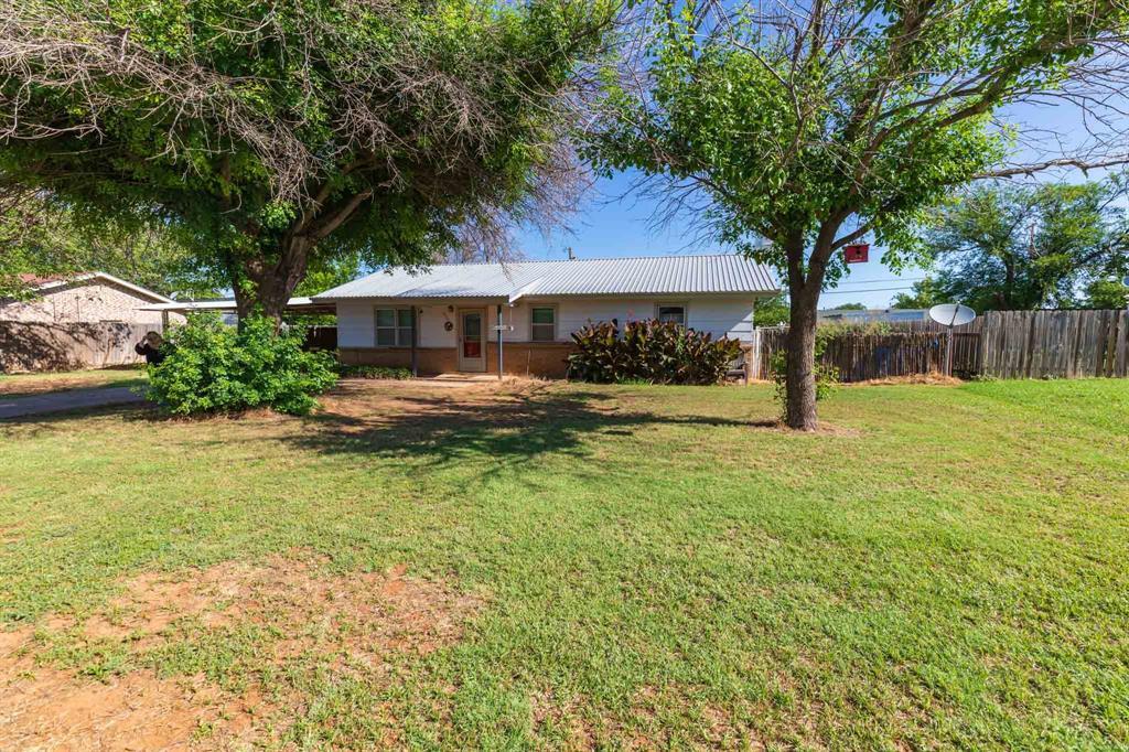 803 7th  Street, Rotan, Texas 79546 - Acquisto Real Estate best frisco realtor Amy Gasperini 1031 exchange expert