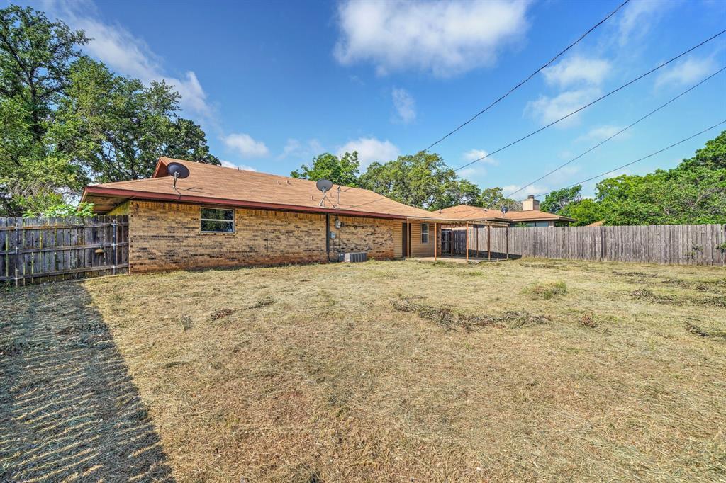 1512 Thomas  Lane, Graham, Texas 76450 - acquisto real estate best luxury buyers agent in texas shana acquisto inheritance realtor