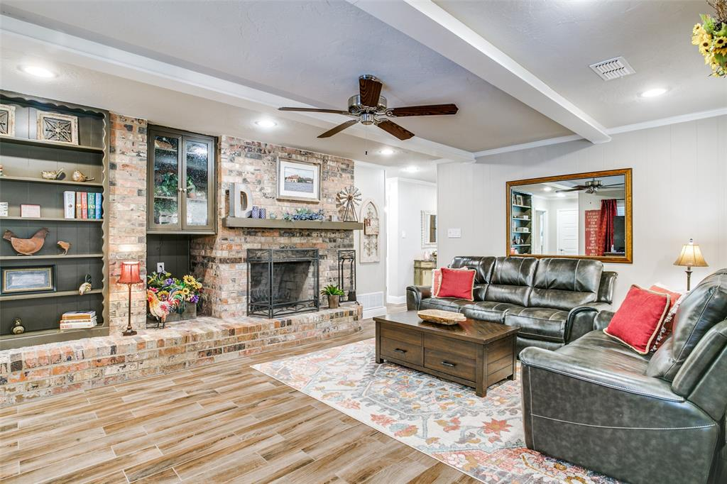 809 Wheelwood  Drive, Hurst, Texas 76053 - acquisto real estate best real estate company in frisco texas real estate showings