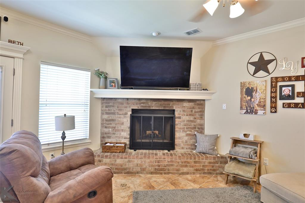 366 Miss Ellie  Lane, Abilene, Texas 79602 - acquisto real estate best real estate company to work for
