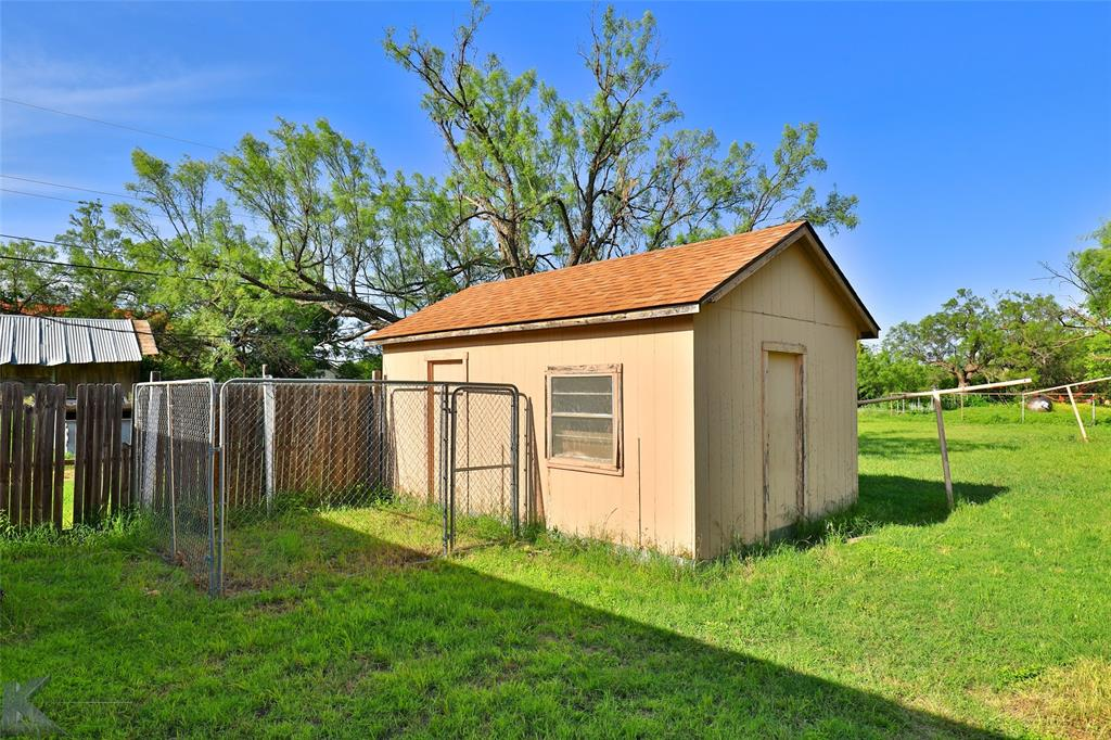 813 Orient  Street, Stamford, Texas 79553 - acquisto real estate best photo company frisco 3d listings