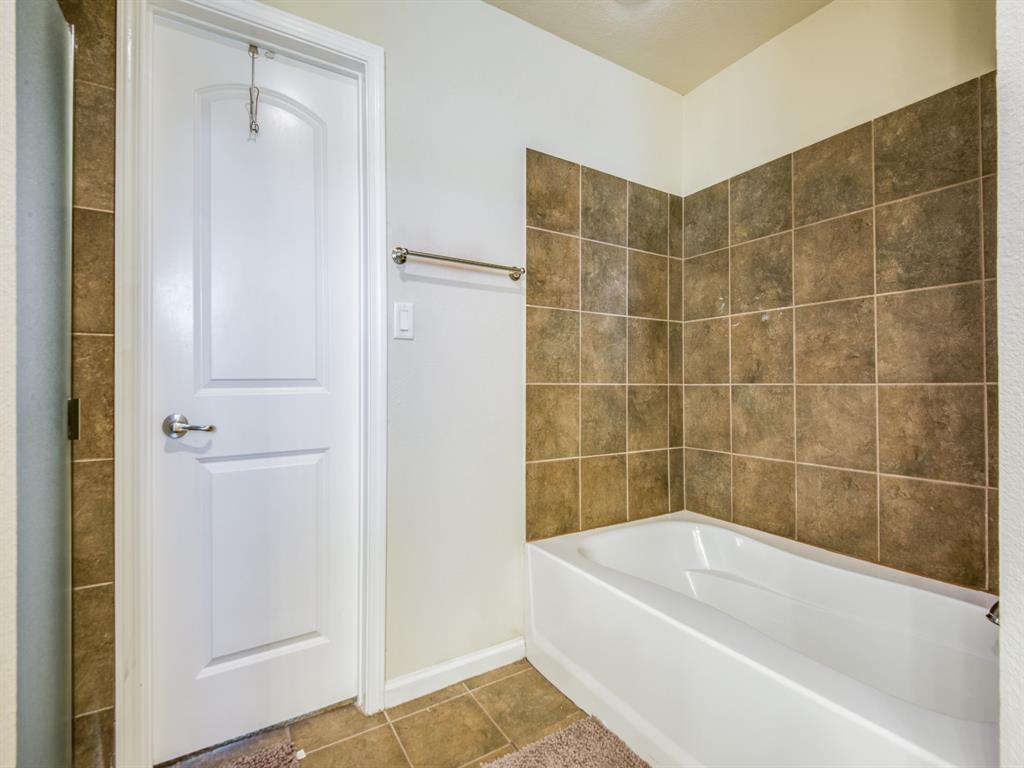 110 Barrington  Lane, Lewisville, Texas 75067 - acquisto real estate best style realtor kim miller best real estate reviews dfw