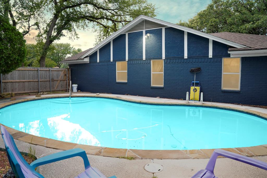 7312 Forrest  Court, North Richland Hills, Texas 76182 - acquisto real estate best the colony realtor linda miller the bridges real estate
