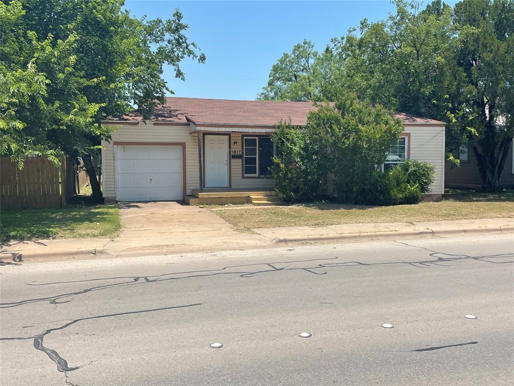 1617 Barrow  Street, Abilene, Texas 79605 - Acquisto Real Estate best frisco realtor Amy Gasperini 1031 exchange expert
