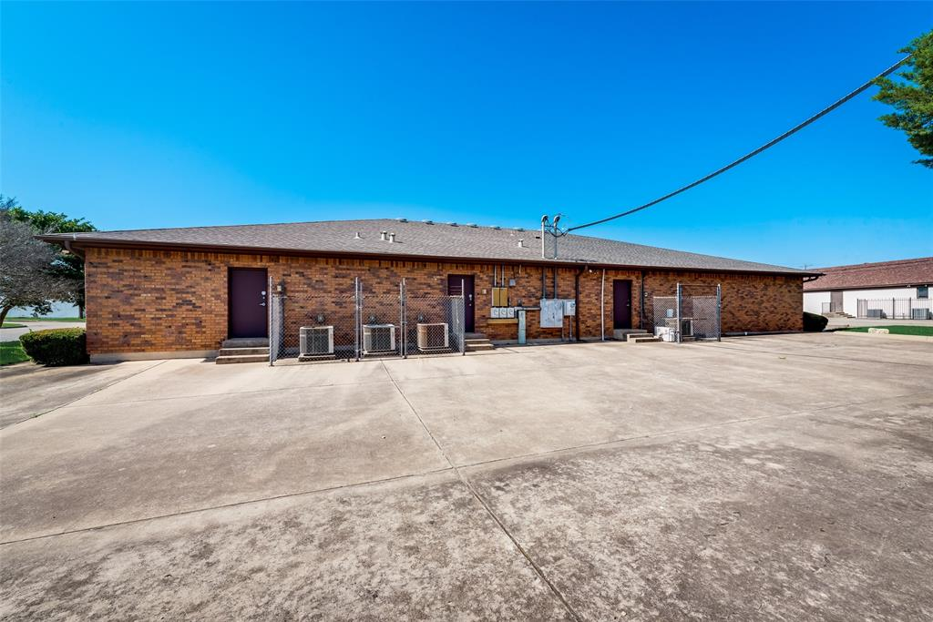7451 Chapel  Avenue, Fort Worth, Texas 76116 - acquisto real estate best frisco real estate broker in texas for high net worth buyers