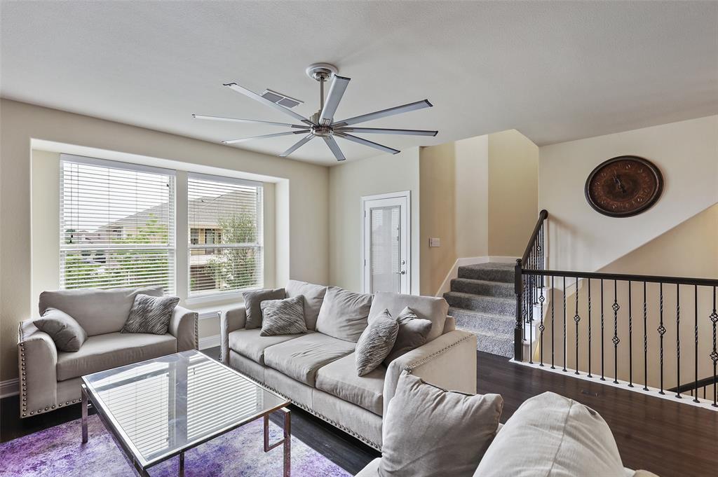 2670 Venice  Drive, Grand Prairie, Texas 75054 - acquisto real estate best listing listing agent in texas shana acquisto rich person realtor