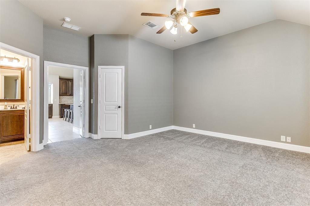 1000 Tarragon  Drive, Burleson, Texas 76028 - acquisto real estate best realtor foreclosure real estate mike shepeherd walnut grove realtor