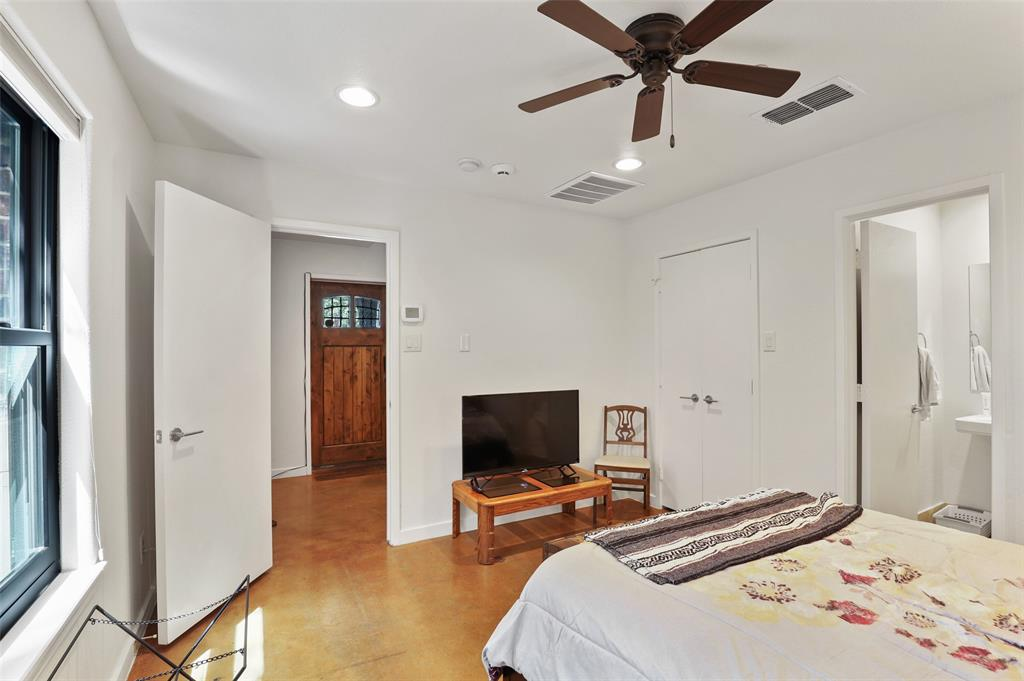 2411 Hall  Street, Dallas, Texas 75204 - acquisto real estate best park cities realtor kim miller best staging agent