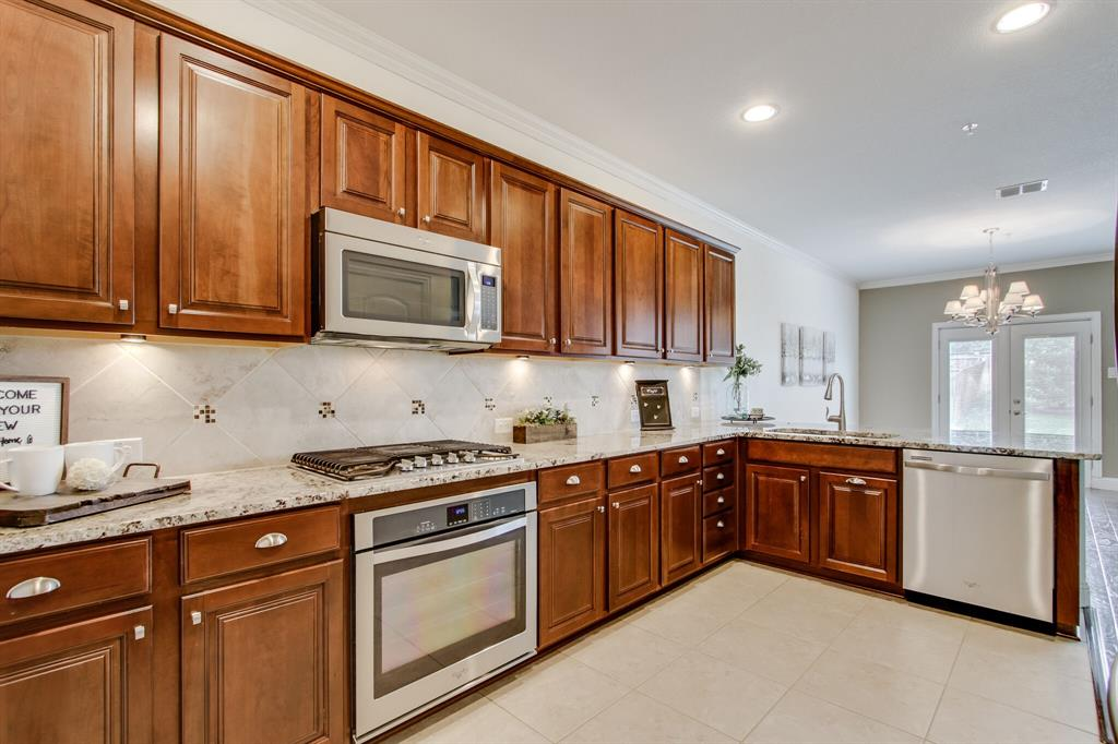 385 Busher  Drive, Lewisville, Texas 75067 - acquisto real estate best listing agent in the nation shana acquisto estate realtor