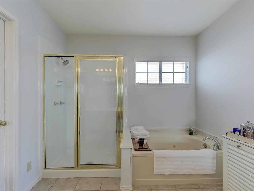 2121 Lansdown  Drive, Carrollton, Texas 75010 - acquisto real estate best frisco real estate agent amy gasperini panther creek realtor