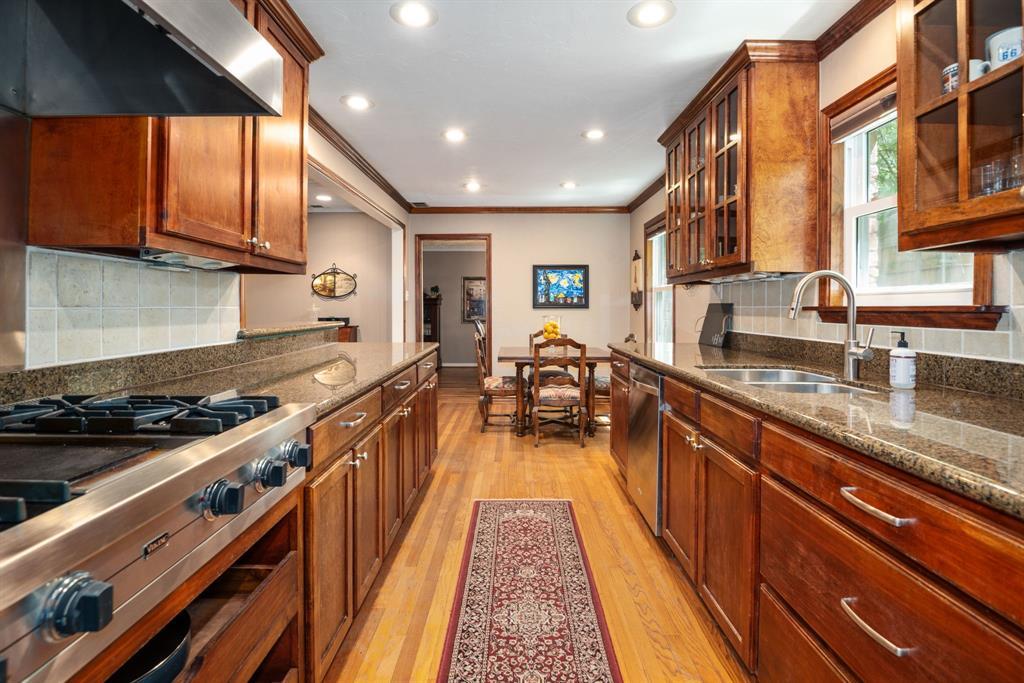 9525 Spring Branch  Drive, Dallas, Texas 75238 - acquisto real estate best luxury buyers agent in texas shana acquisto inheritance realtor