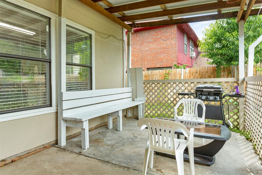 2120 Prairie Creek  Trail, Garland, Texas 75040 - acquisto real estate best realtor dfw jody daley liberty high school realtor