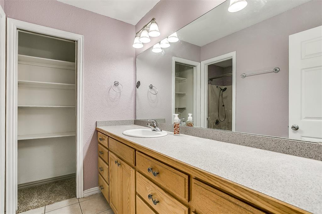 1107 6th  Street, Springtown, Texas 76082 - acquisto real estate best realtor dallas texas linda miller agent for cultural buyers
