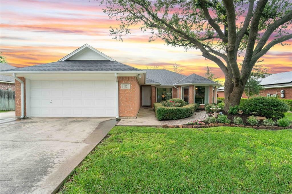 515 College  Avenue, Justin, Texas 76247 - Acquisto Real Estate best plano realtor mike Shepherd home owners association expert